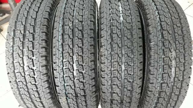 4 pneus Trator, 185/R-14. REMOLDE