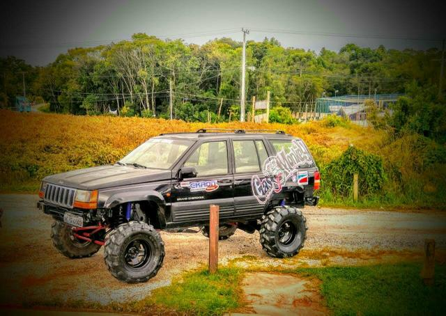 Jeep grand Cherokee preparada para trilha