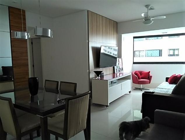 Vendo apartamento com três quartos com dependência no Stiep