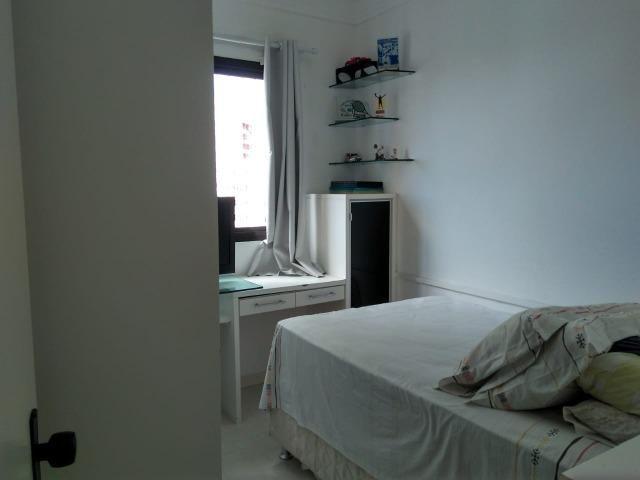 Vendo apartamento com três quartos com dependência no Stiep - Foto 4