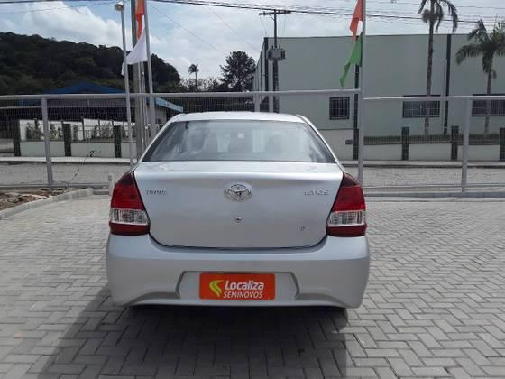 ETIOS 2019/2020 1.5 X PLUS SEDAN 16V FLEX 4P AUTOMÁTICO - Foto 2