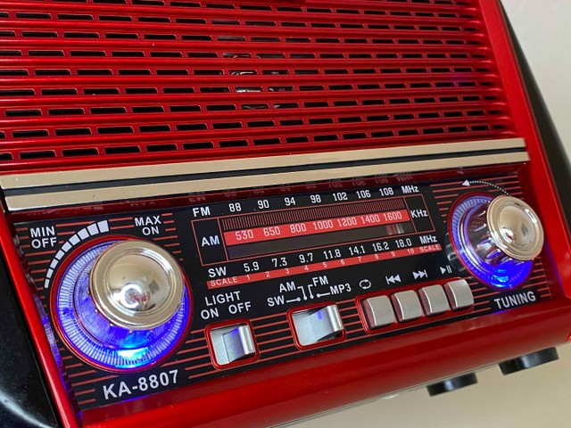 Rádio Retrô Portátil Ferrari Vintage C/ AM e <br>Fm - Foto 5