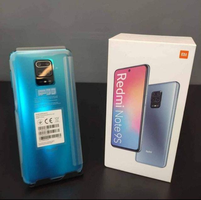 Note 9s, 64Gb, azul e preto.