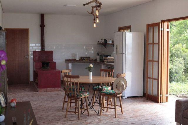 Chácara perfeita com casa em Delfim Moreira - Foto 16