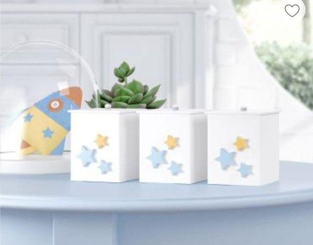 Kit Quarto de bebê (Trocadores ,Abajur, potes e bandejas, 2 porta fraldas - Foto 3