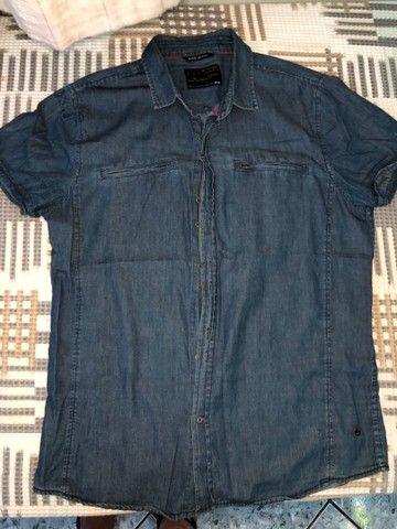 Camisa jeans com botões