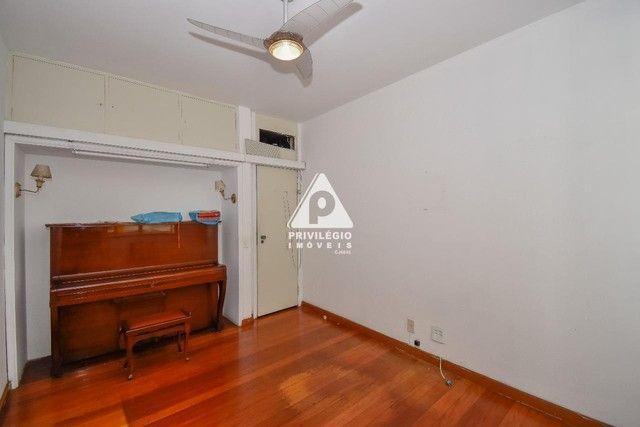PRIVILÉGIO IMÓVEIS vende : Excelente apartamento na quadra da praia de Copacabana - Foto 13