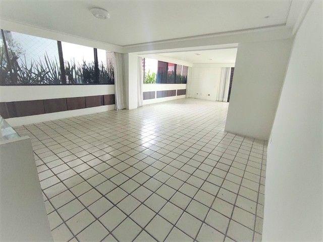 Apartamento no Parnamirim 4 com Quartos 3 Suítes e 222m²