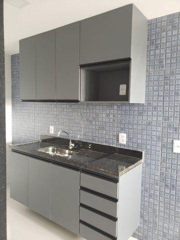 Apart  com 55m² com 2 quartos (1 suíte) em Imbiribeira - com armários - Foto 13