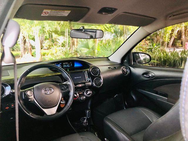 Toyota Etios Platinum automático $ 51.490,00 impecável - Foto 10