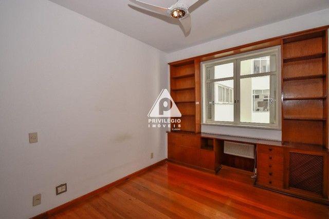 PRIVILÉGIO IMÓVEIS vende : Excelente apartamento na quadra da praia de Copacabana - Foto 10