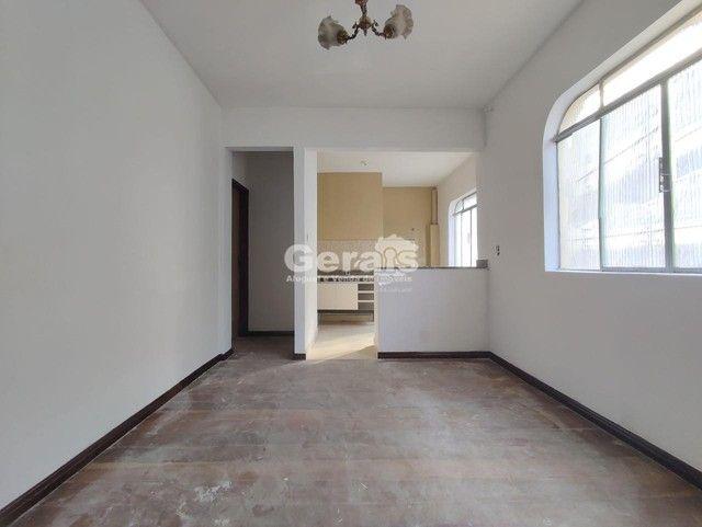 Kitnet para aluguel, 3 quartos, 1 vaga, Niterói - Divinópolis/MG