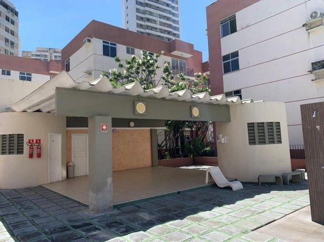 Apartamento para aluguel possui 120 metros quadrados com 3 quartos em Fátima - Fortaleza - - Foto 2