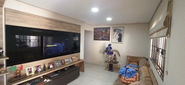 Venda   Sobrado com 264.77 m², 3 dormitório(s), 4 vaga(s). Zona 07, Maringá - Foto 2