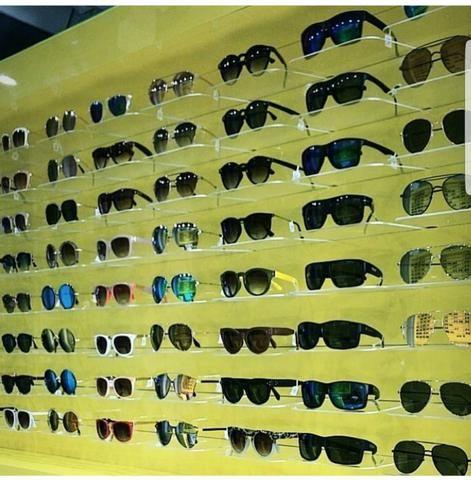 02 Expositor de Oculos