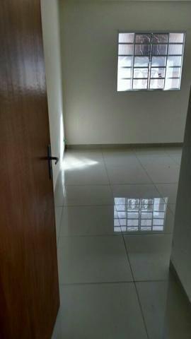 Aluga-se apartamento 3 quarto sendo 1 suíte