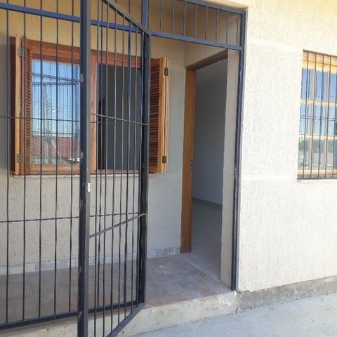 Linda casa só R$ 114.500 terreno 5x30 pátio frente e fundos Alvorada - Foto 4