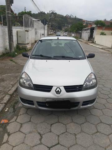 Carro Peugeot Clio