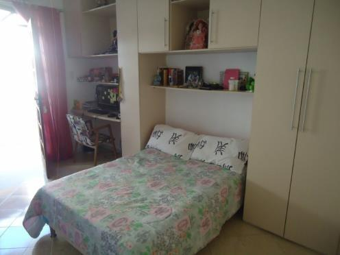 FZ00066 - Casa triplex com 04 quartos em Itapuã - Foto 8