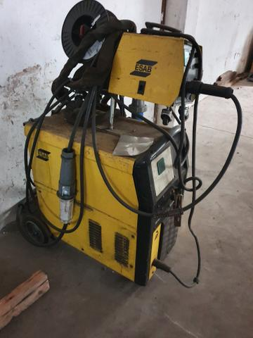 Máquina de solda Mig Esab modelo 318