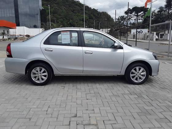 ETIOS 2019/2020 1.5 X PLUS SEDAN 16V FLEX 4P AUTOMÁTICO - Foto 9