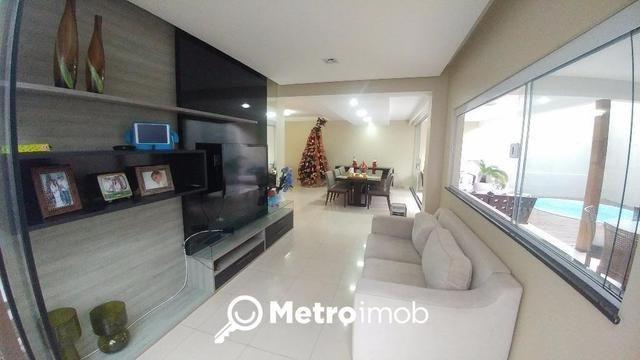 Casa de condomínio alto padrão com 3 suites e 380m
