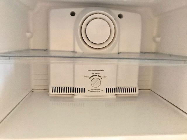 Geladeira Consul CRB39 Frost Free 1 Porta 342 Litros Facilite. TROCO EM AR CONDICIONADO. - Foto 2