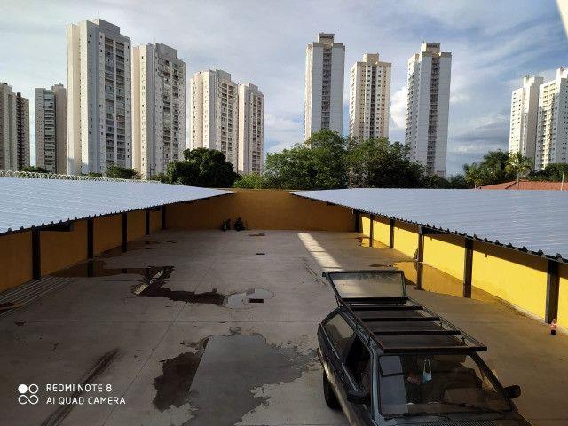 Cobertura metalica acabamento em policarbonato é telhas