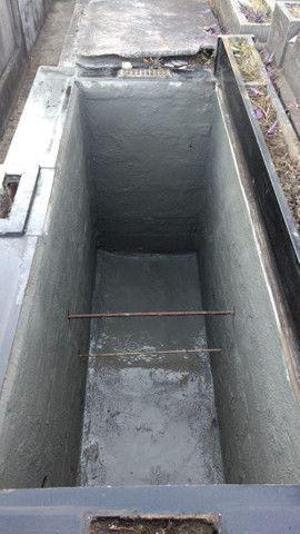 Jazigo em granito preto cemitério São F Xavier(cajú) Aceito troca. - Foto 5