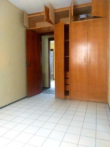 Apartamento para aluguel possui 100 metros quadrados com 3 quartos em Icaraí - Caucaia - C - Foto 16