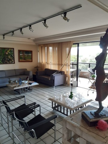 Apartamento na Avenida Beira Rio (Madalena), com 350m², 4 quartos (3 suítes) e 3 vagas de  - Foto 2