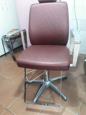 Cadeira nova pouco tempo de uso - Foto 4