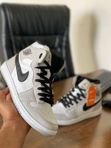 Bota Air Jordan. - Foto 2