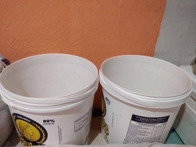 Baldes Grandes de Margarina 15 litros