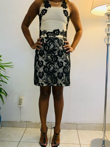 Vestido zibeline e renda preta. P  - Foto 3