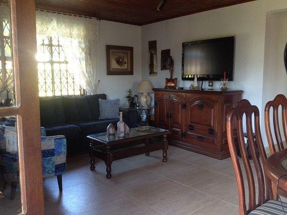 Casa ampla e independente, área de lazer privativa, 50 m da Rodovia e próxima a Praia - Foto 3