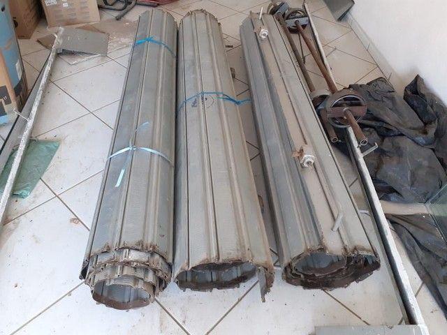 Vendo 3 portas de aço tamanho 3metros altura e 2metros largura - Foto 2
