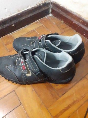 Sapato masculino número 38