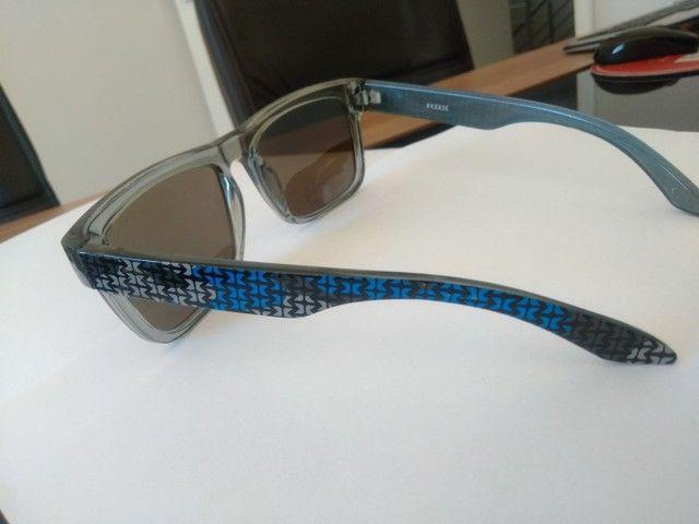 Óculos de Sol marca HB, lente azul espelhado - Foto 4