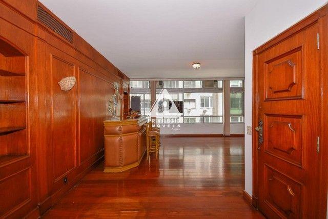 PRIVILÉGIO IMÓVEIS vende : Excelente apartamento na quadra da praia de Copacabana - Foto 3