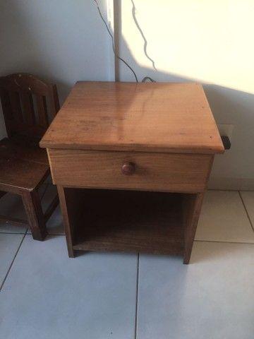 Criado mudo em madeira 140,00 - Foto 2