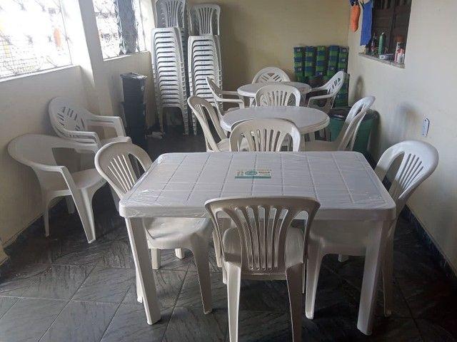 Conjunto de mesa com cadeiras em plástico  - Foto 5