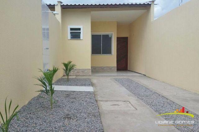 Casa Nova em Maracanaú, 3 Quartos, 2 Vagas de Garagem