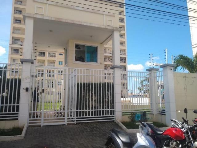 Apartamento com 3 dormitórios à venda, 66 m² por R$ 267.000