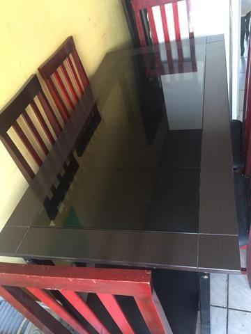 Vendo mesa de Vidro 6 cadeiras - Foto 3