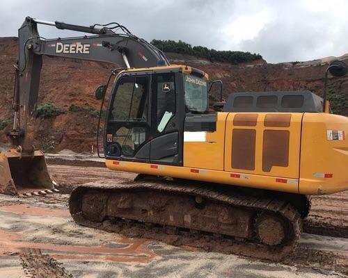 Escavadeira 210G LC John Deere - 17/18