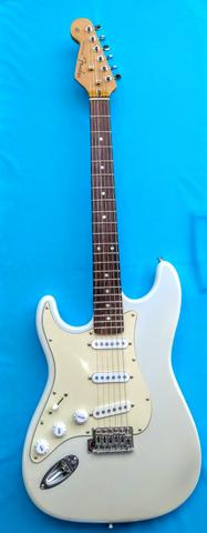 Fender Stratocaster CANHOTA
