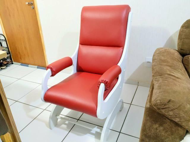 Cadeira de amamentação/descanso em ótimo estado - Foto 3
