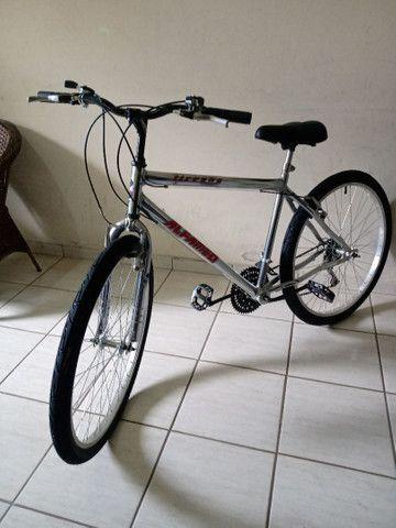 Bicicleta aro 26 impecável cromada sem detalhes - Foto 4