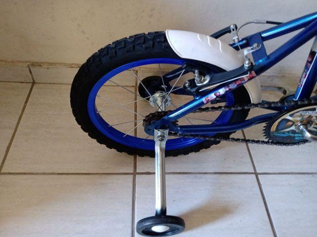 Bicicleta aro 16 impecável capitão América - Foto 4